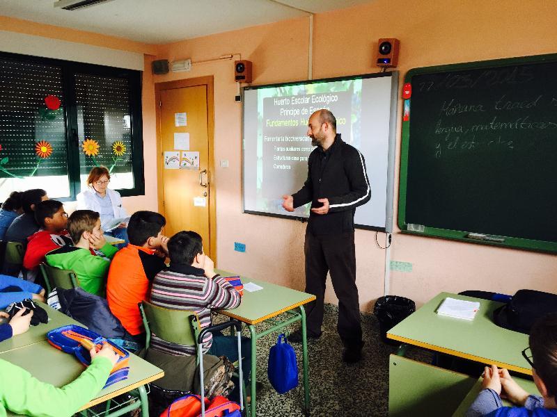 jornadas culturales colegio principe de españa - charla huerto escolar ecologico alumnado