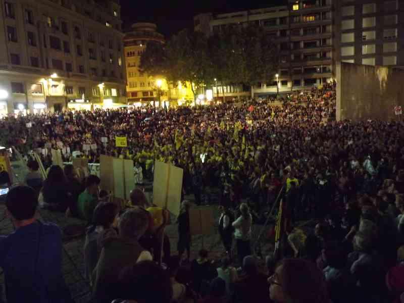 manifestación anti-fracking Vitoria-Gasteiz 6 de octubre de 2012 - final en Plaza de lo Fueros