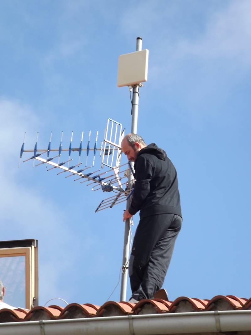 Colocando primera antena - supernodo - red guifinet en Barrón - Álava