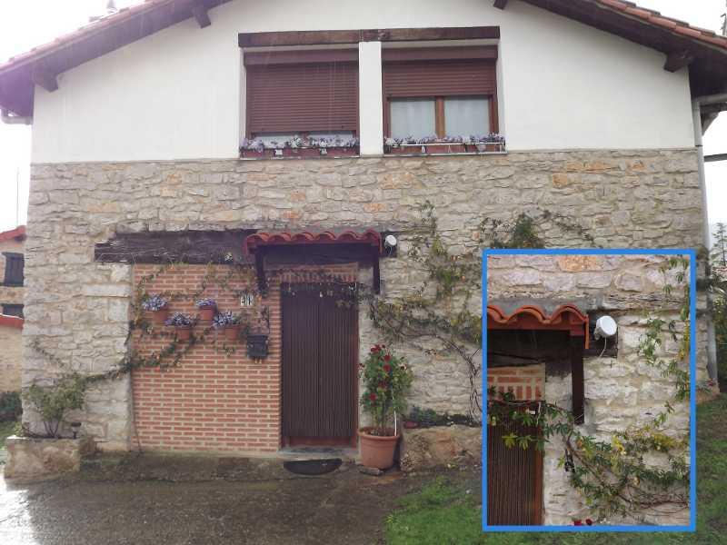 Detalle antena en fachada - guifinet - Barrón - Araba